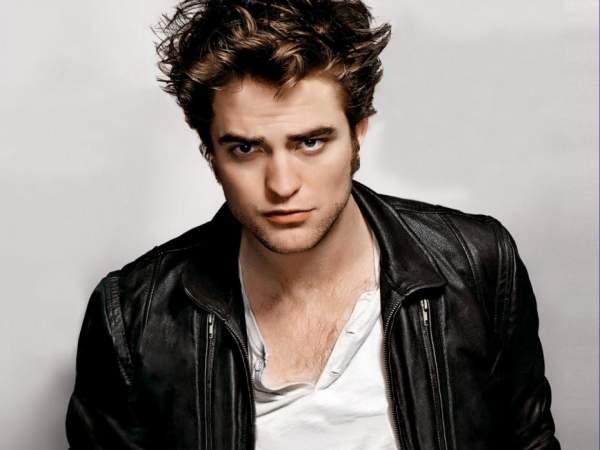 Robert Pattinson Yakin Bahwa Ia Masih Tampak Berusia 17 Tahun