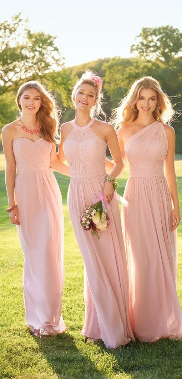 Inspirasi Model Baju Bridesmaid Sesuai Dengan Tema Pesta Pernikahan