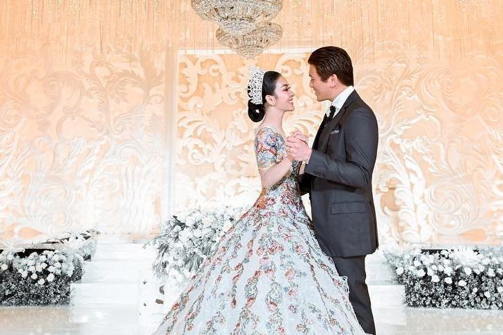 5 Momen Pesta Resepsi Pernikahan Syahrini Dan Reino Barack
