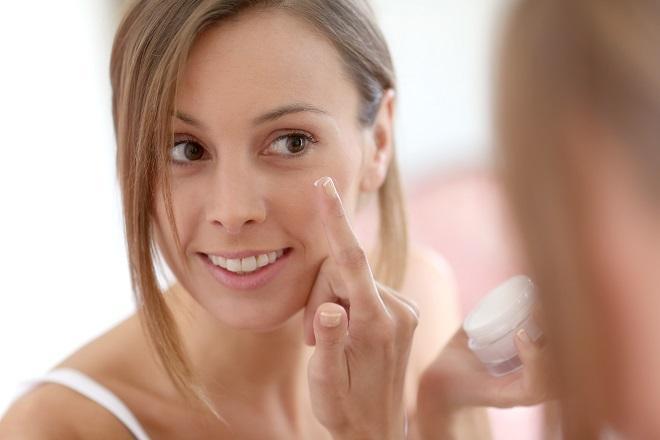 Lakukan Patch Test: Uji Coba Produk Skin Care Sebelum Dibeli ...