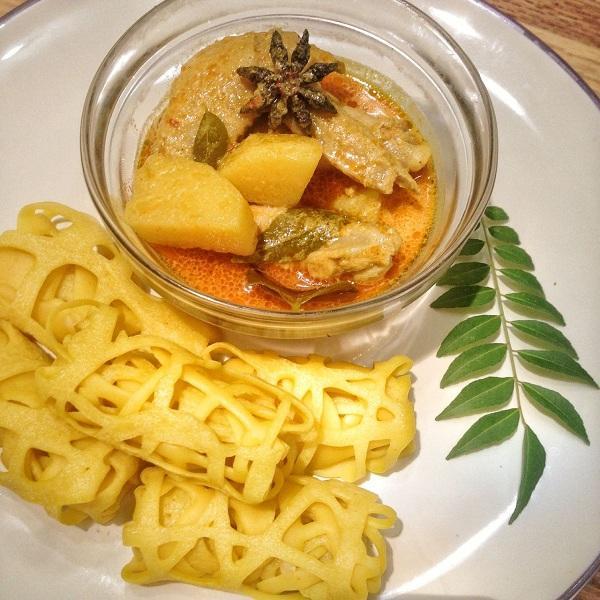 Resep Praktis Kari Ayam dan Roti Jala - Womantalk
