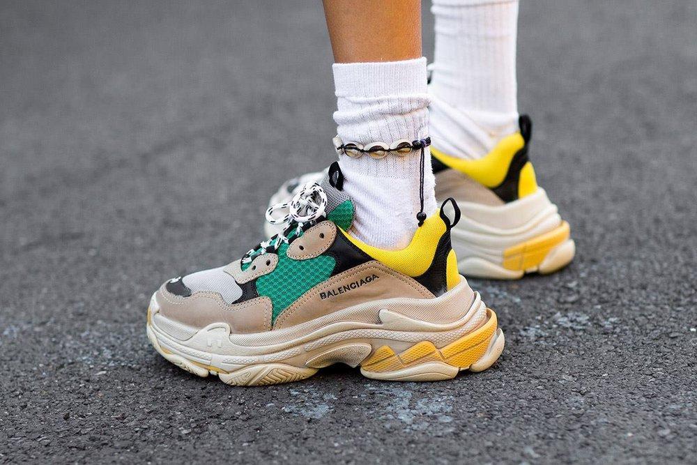 5 Brand dan Model Ugly Sneakers Paling Populer di Kalangan ...