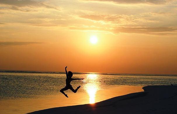 10 Kota Dengan Pemandangan Matahari Terbenam Terbaik Versi