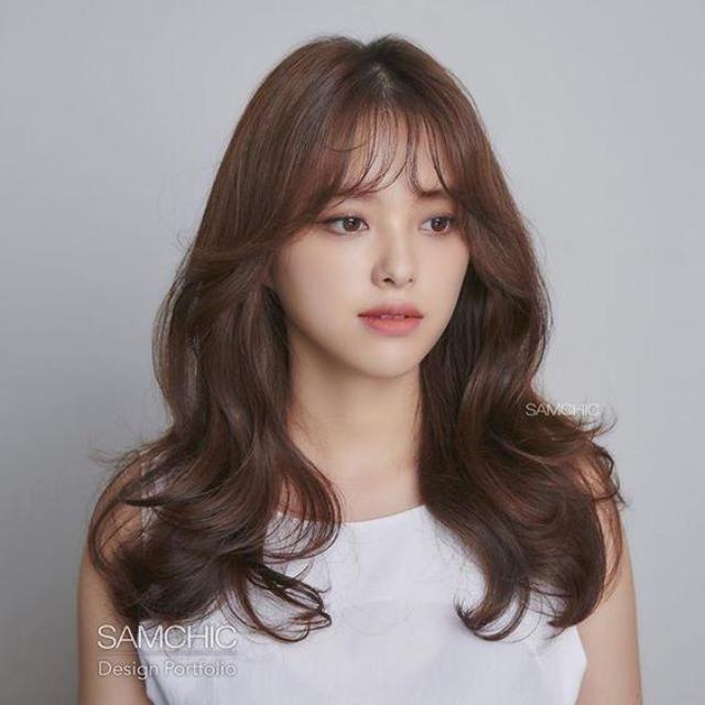 10 Model Rambut Dan Poni Ala Korea Yang Bagus Untuk Wajah Bulat Berpipi Tembam Womantalk